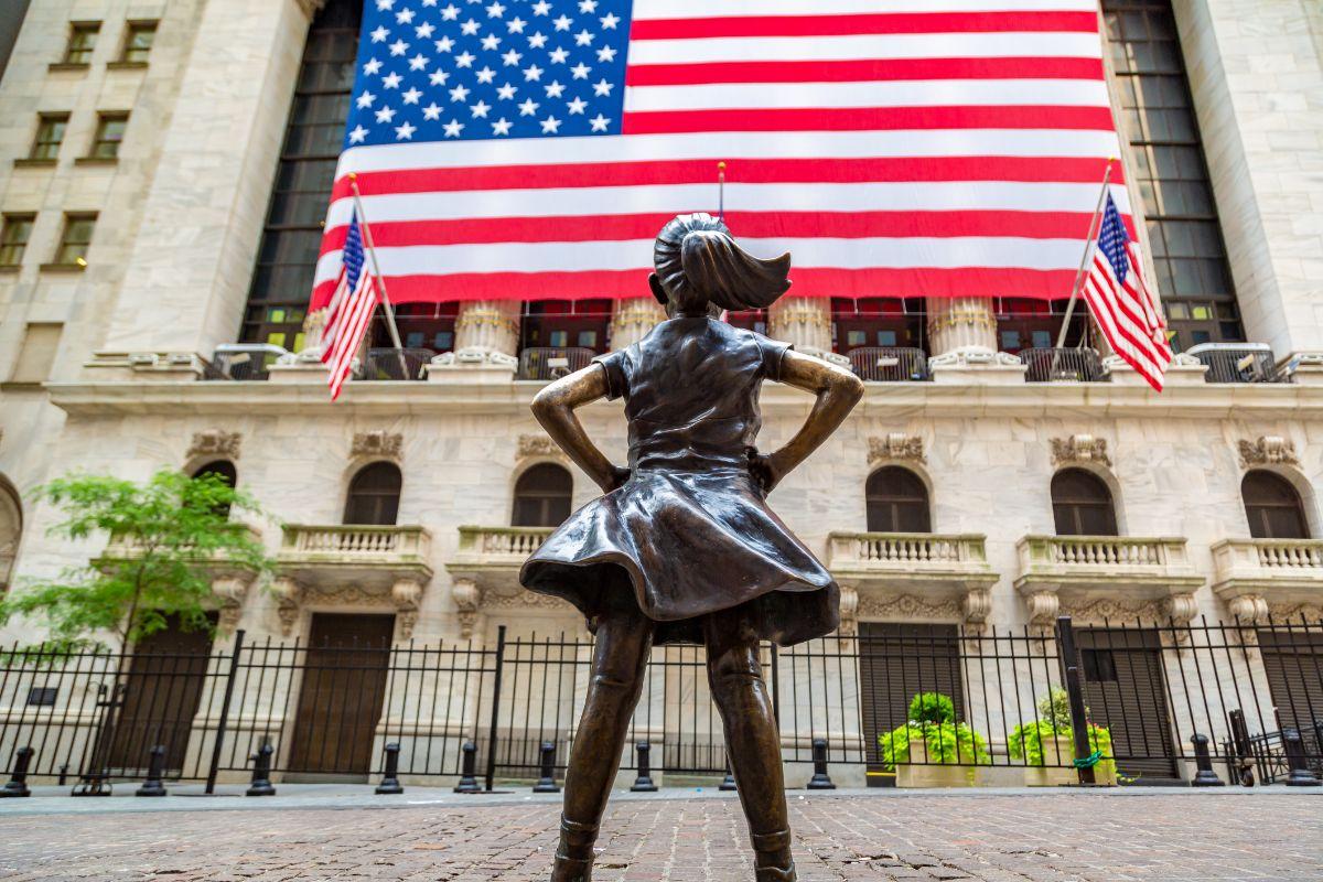 ウォール街のアメリカ国旗